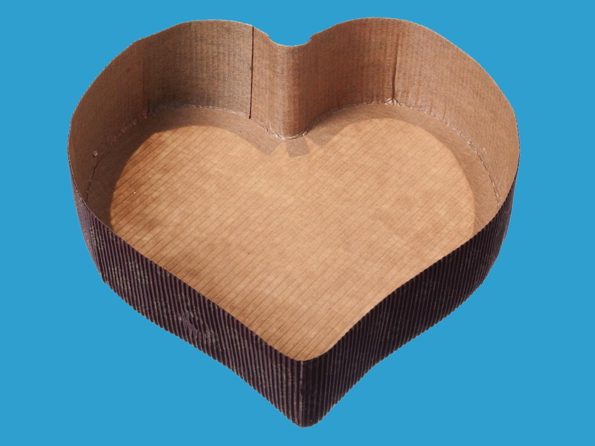 Herz Einwegbackformen Papier braun groß 17,5x4,5cm 600St